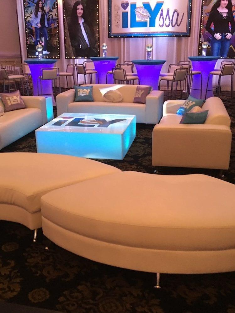 Lounge it up-Mitzvah
